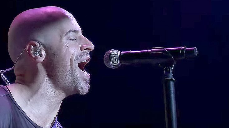 "Chris Daughtry Plays A Cover Of ""In The Air Tonight"" That Is Just Too Good For Words!"